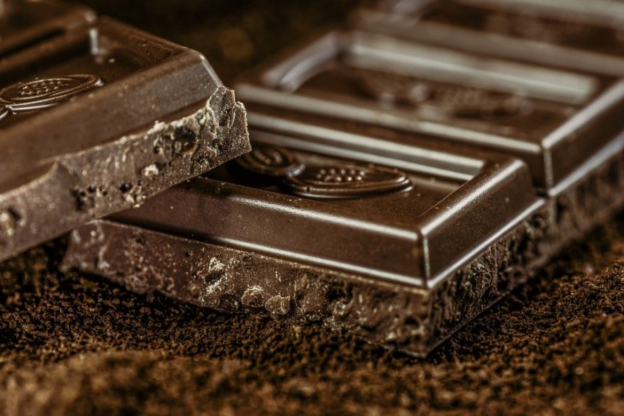 Beginner's Guide to Pairing Wine with Chocolate