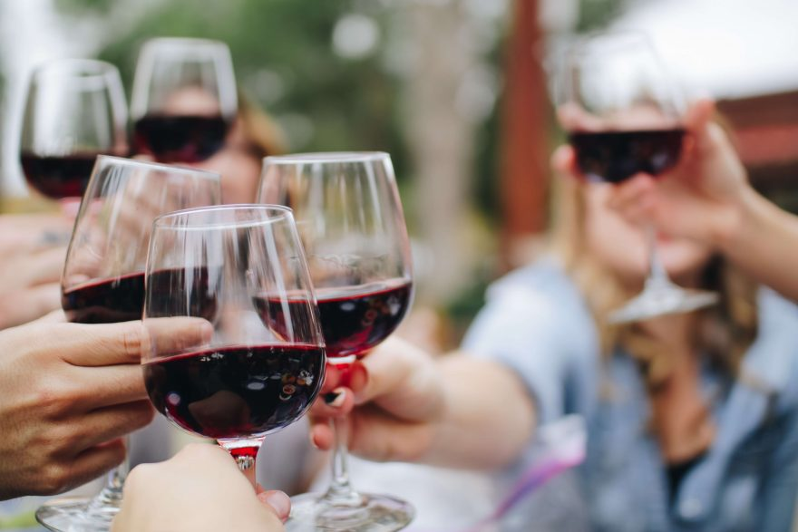 What are the Health Benefits of Drinking Red Wine?
