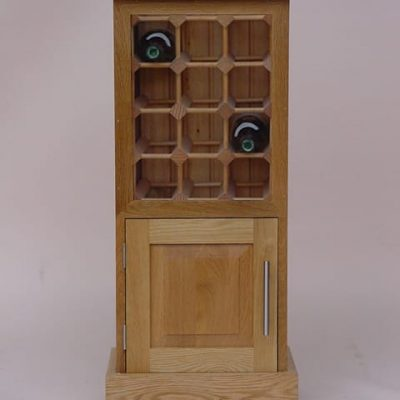 Wine cabinet with cupboard