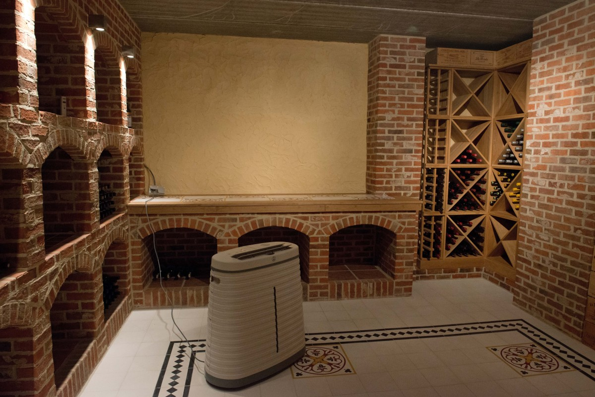 Wine Cellar Oak Cubes