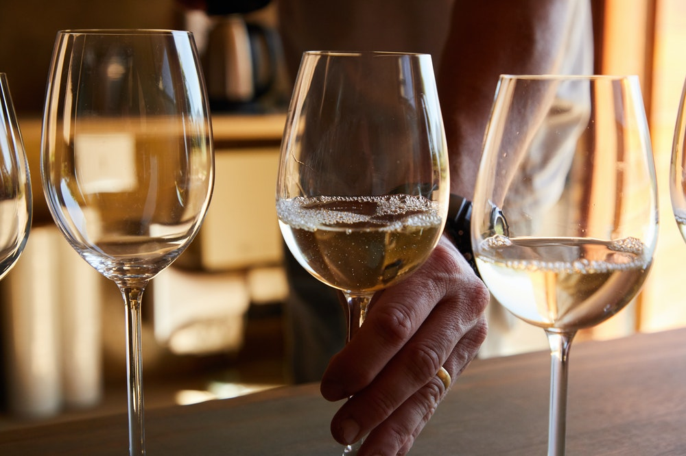 what wines to choose: start with sparkling wine